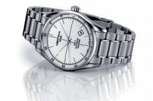 雪铁纳手表保修期限是多少年?