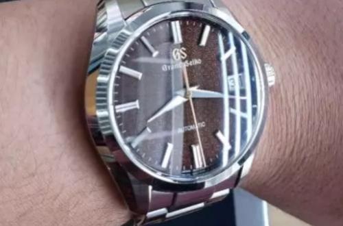 在日本买冠蓝狮手表怎么样?和国内公价一样吗?