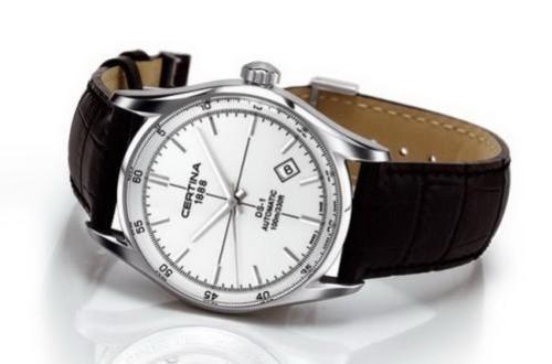 雪铁纳手表表镜破裂后,要在哪里更换?