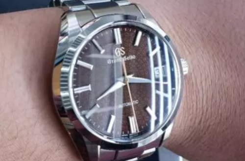 冠蓝狮石英手表在哪里可以购买到?