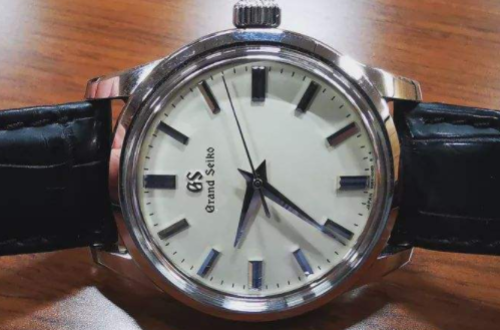 在淘宝冠蓝狮旗舰店购买的手表,都是正品吗?