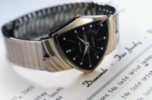 表带要是脏了怎么洗?上海汉米尔顿手表维修店可靠吗?