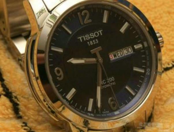 天梭手表表镜配件公价是多少?原装的贵吗?