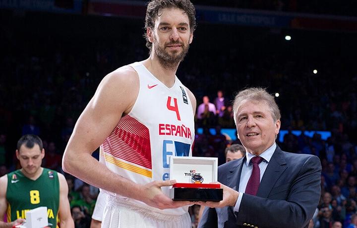 这一刻 再续辉煌 天梭表与国际篮球联合会(FIBA)开启全新合作篇章