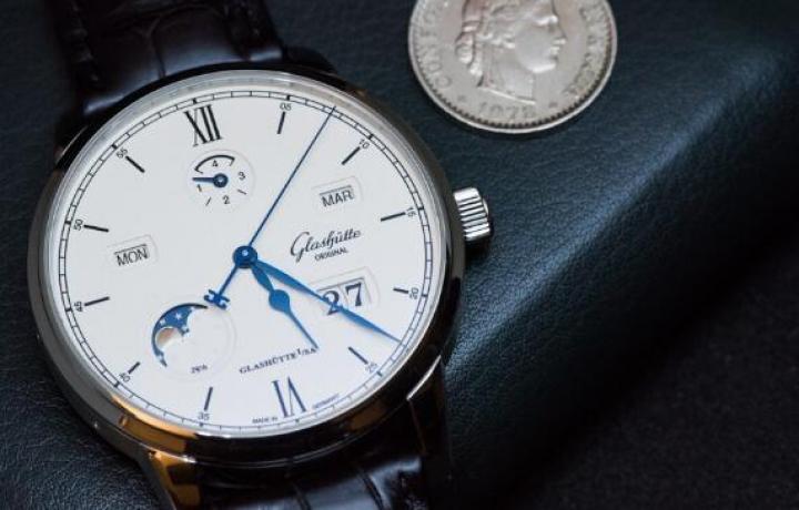 格拉苏蒂原创卓越万年历腕表