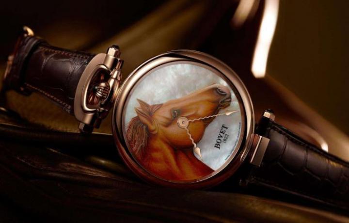 常用的播威手表鉴定方法有哪些?
