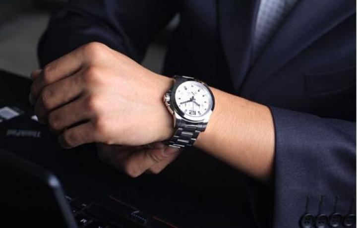 解析:男士应该如何选购手表?