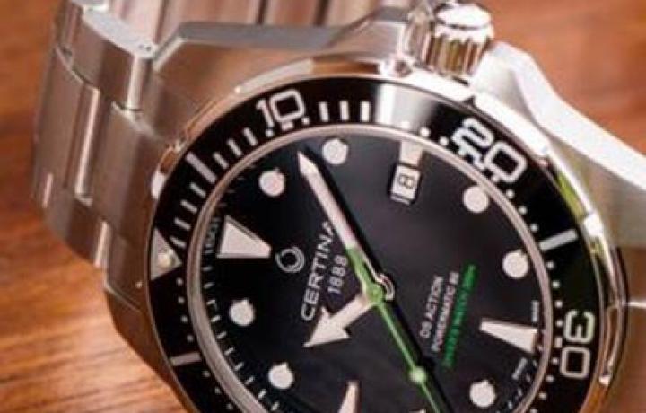 雪铁纳潜水腕表中的代表——绿箭疾波