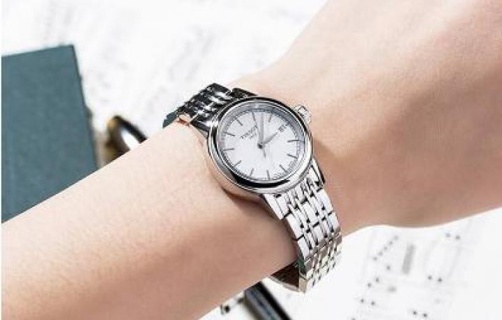 天梭手表女款盛时网有售吗?