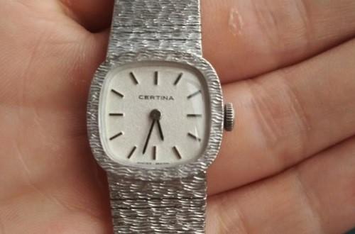 90年代老雪铁纳手表是否具有收藏价值?