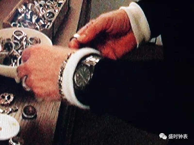 """时尚大帝""""老佛爷""""走了,他的表和他一样有故事"""
