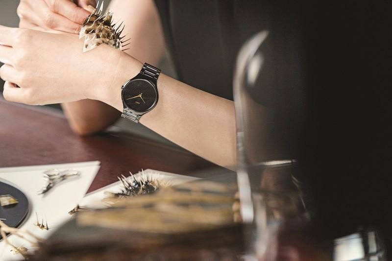 情迷刺之恋 Rado 瑞士雷达表True Thinline 真薄系列刺之恋限量版腕表