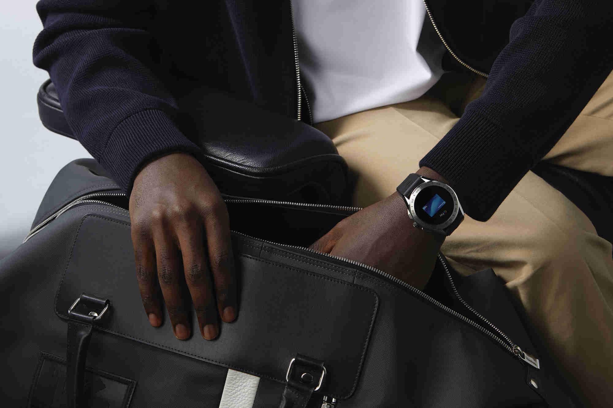 泰格豪雅推出,新一代奢华智能腕表