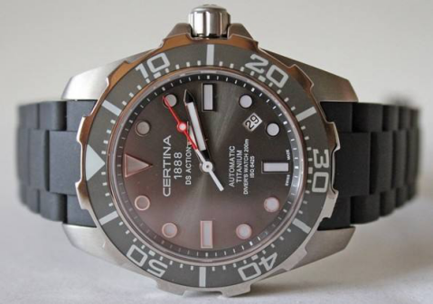 在哪里可以更换雪铁纳手表表把呢?