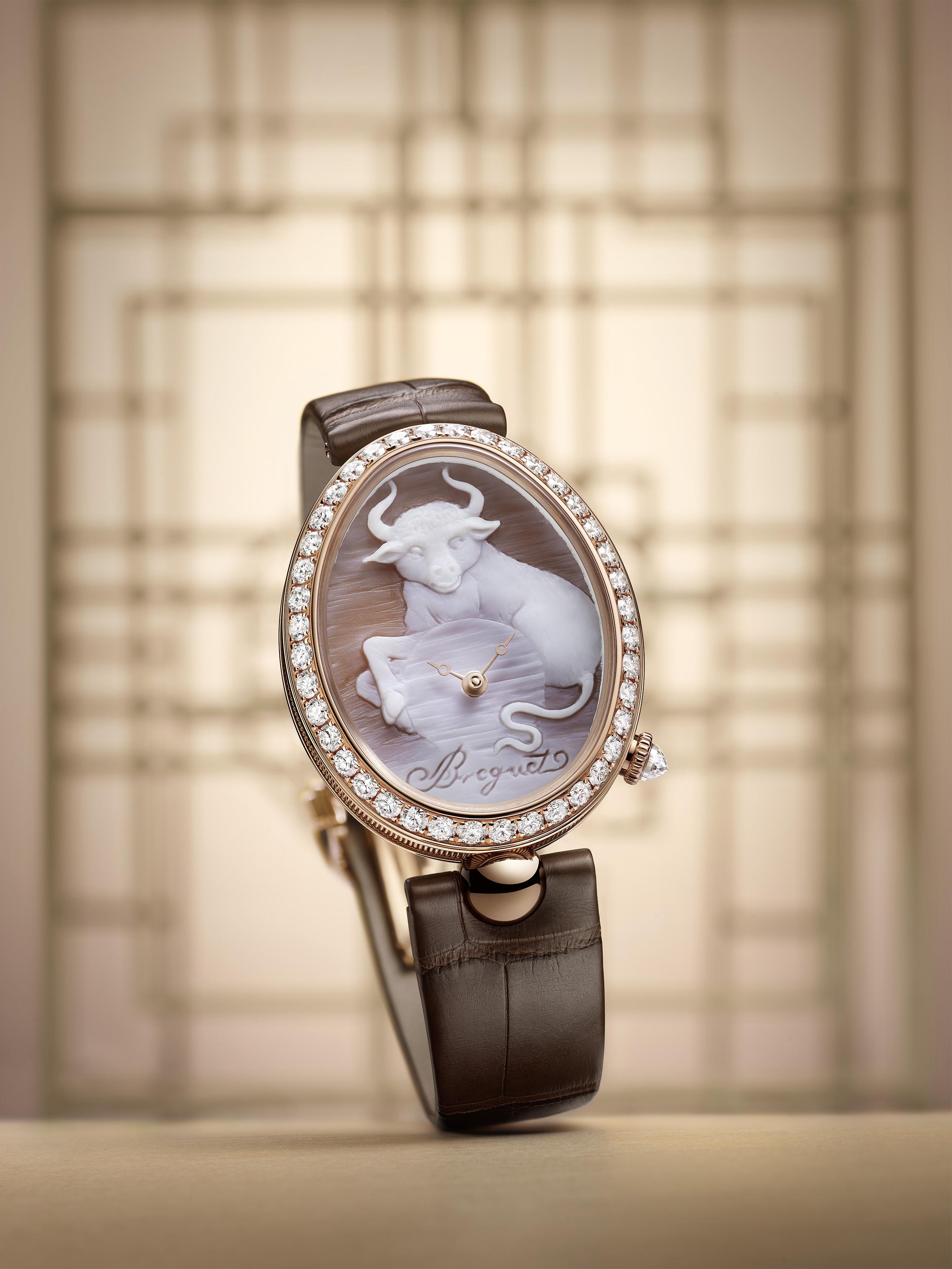 宝玑Reine de Naples那不勒斯王后系列 8955 贝壳浮雕腕表 臻献金牛年