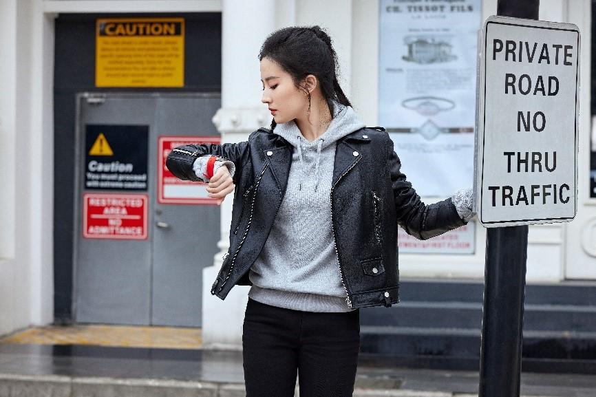 这一刻 光耀无界 TISSOT天梭表携手品牌全球形象代言人黄晓明、刘亦菲、陈飞宇 发布腾智·无界系列腕表平面广告 共同演绎无界新主张